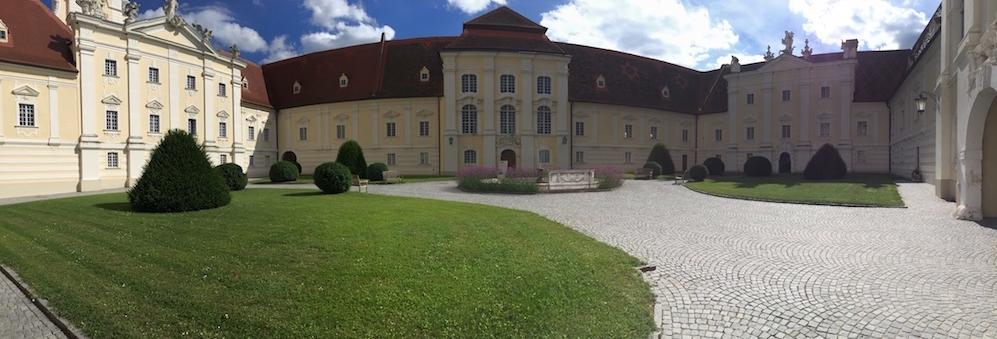 Aussenaufnahme des wunderschönen Stift Altenburg