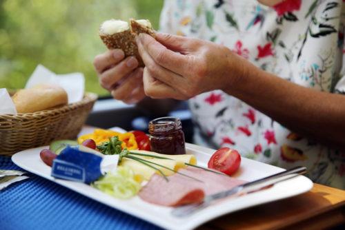 Frühstück im Panoramawagen