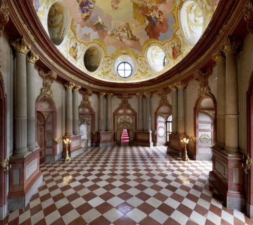 Marmorsaal mit Deckenfresko von Daniel Gran