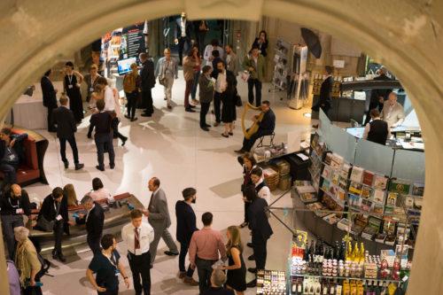 Sala terrena, Besucherempfang und Shop mit Gästen