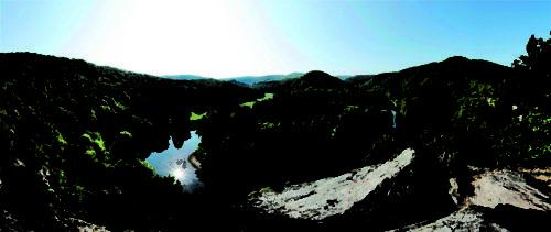Blick vom Überstieg auf die Thayamäander